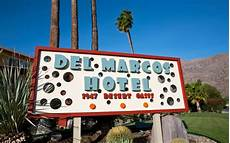 a mid century desert oasis in palm the marcos hotel a 1947 desert oasis palm springs