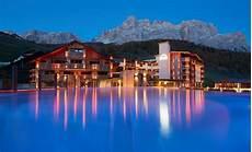 soggiorno dolomiti i 10 migliori hotel con vista sulle dolomiti il soggiorno