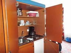 küche im schrank quot eingebaute k 252 che im schrank quot feriendorf glasgarten r 246 tz