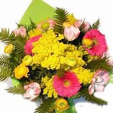 fiori per festa della donna mazzi di fiori e bouquets di mimosa per festa della donna