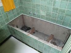 alte badewanne ausbauen badewannen austauschen baederprofi