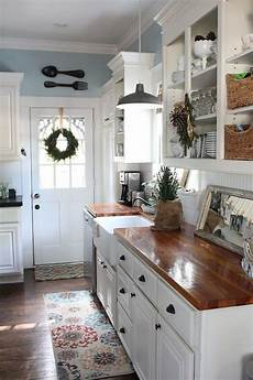 cottage home decor and quaint cottage decorating ideas bored