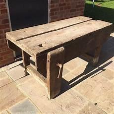 Altes Holz Bearbeiten - vintage carpenters woodworking bench vintage