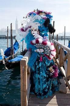 sch 246 ne maskerade auf zum karneval salzburger fenster