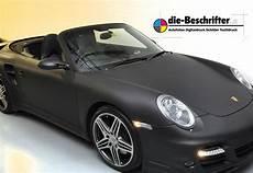 auto matt schwarz autofolien in matt schwarz oder carbon