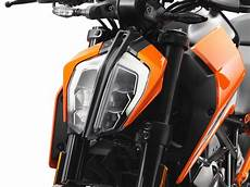 ktm 125 duke 2017 on review speed specs prices mcn