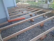 pedana legno giardino fasi di costruzione la nostra casa di legno a montonate