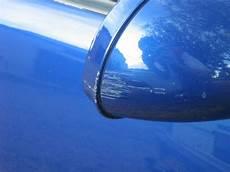 retouches repeindre les 233 clats de peinture de sa voiture