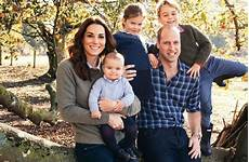 prinz william und herzogin kate neues familien foto