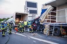 Fotostrecke Ludwigsburg Langer Stau Nach Schwerem Unfall