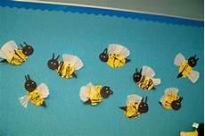 basteln frühling kinder fr 252 hling im kindergarten coole biene aus papier basteln