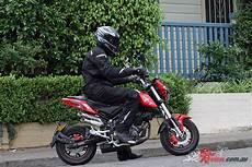 benelli tnt 125 review 2017 benelli tnt 125 tornado bike review