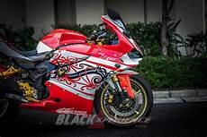 Yamaha Xabre Modif Ducati by Modifikasi Yamaha R25 Ducati Panigale Dilukis Batik