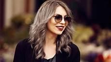 jung und grau graue haarfarbe