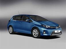 2013 Toyota Auris Hybrid To Debut In