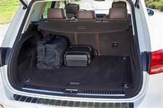 vw touareg kofferraum 2013 volkswagen touareg new car review autotrader