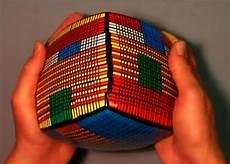 Magic Cube Lösung - presenting the 28x28x28 rubik s cube