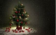 beautiful christmas tree hd wallpapers free download tree pictures full hd christmas tree
