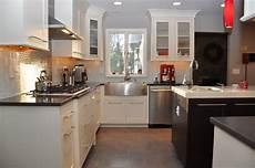 make the kitchen backsplash more beautiful