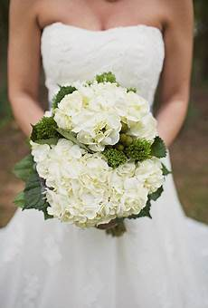 hydrangea wedding bouquet tips b lovely events