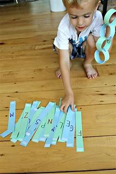 paper chains worksheets 15666 learn the alphabet how to make a paper chain reusable learning the alphabet learning