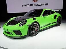 porsche 911 gt3 rs sheds weight with weissach