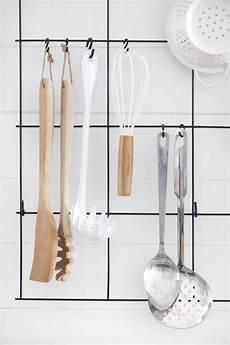 ikea küchenutensilien aufbewahrung diy wire utensil rack a beautiful mess