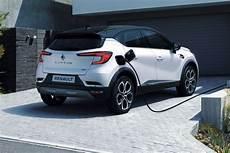 prix renault captur hybride nouveau renault captur l hybride plus avantageux que l essence et le diesel