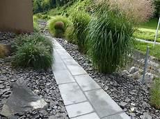 Pin By Rebekka Baumann On Garten Garden Sidewalk