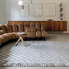 Tapis Design Gris Berb 232 Re Avec Franges En Et Viscose