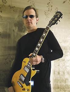 guitarist joe bonamassa joe bonamassa the ballad of henry joe bonamassa hey joe joes