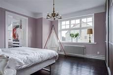 Wandfarbe Für Schlafzimmer - wandfarbe und flieder eignen sich gut f 252 r