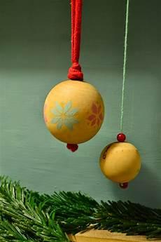 Jurinde Macht Was Anleitung Weihnachtskugeln Selbst Bemalen