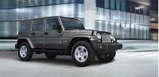 jeep neueste modelle jeep wrangler vom milit 228 rfahrzeug zum statussymbol suv autos