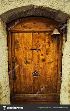 Vieille Porte Bois Entr 233 E Maison Ancienne Avec Une Cloche