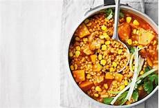 Rote Linsen Eintopf Mit S 252 223 Kartoffeln Und Mais Frisch