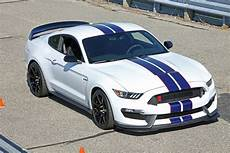 Ford Mustang Gt350r - shelby gt350r mustang at grattan raceway motor trend wot
