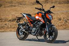 Modifikasi Ktm Duke 250 by Ktm 250 Duke Abs Launched At Rs 1 94 Lakh Ex Showroom