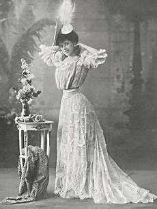 faire du macramé 45440 antique de 1859 jaune soie brocade robe de bal robe ancienne 1830 1870 s soie