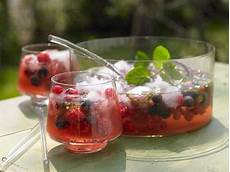 bowle rezept mit wodka punch co german summer drink recipes german culture
