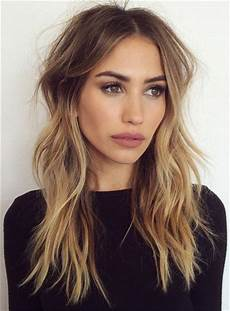 20 photo of middle part and medium length hairstyles