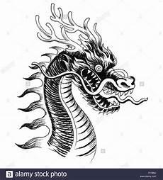 Drachen Schwarz Weiß - traditional ink black and white drawing
