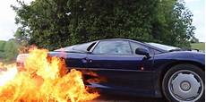 a jaguar xj220 burnout its way to flaming tires