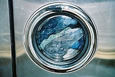 wasser in spülmaschine how to save water and energy with your washing machine