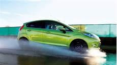 Worauf Ist Beim Luftdruck Der Reifen Zu Achten - 7 tipps zum sommerreifen kauf 2015