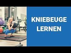 po trainieren kniebeugen lernen um beine und po zu trainieren