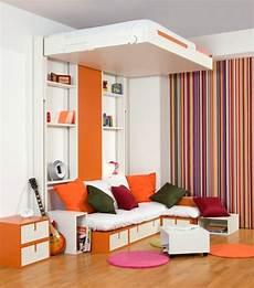 Kleines Jugendzimmer Einrichten - dieses kleine zimmer besitzt ein bett das sich h 246 und