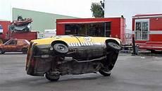 fabriquer une equilibreuse pour roue de voiture cascade une voiture qui roule sur 2 roues