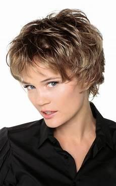 modele de coiffure courte pour femme de 60 ans coiffures