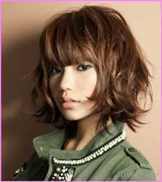 short haircuts for wavy brown hair stylesstar com